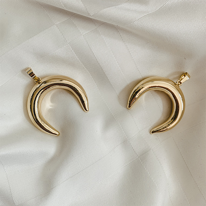 Gold plated crescent moon bedel